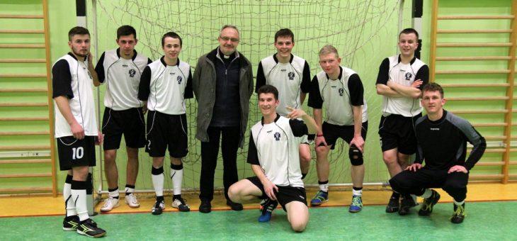 Turniej piłki nożnej o Puchar Rektora ITKM